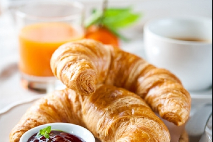 Recette de croissant au beurre et confiture framboises minute facile ...
