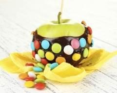Recette pomme granny aux bonbons colorés et chocolat