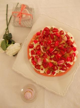 Recette de macaron géant framboise rhubarbe, crème chocolat ...