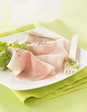 Roulades de jambon au celeri, sauce piquante