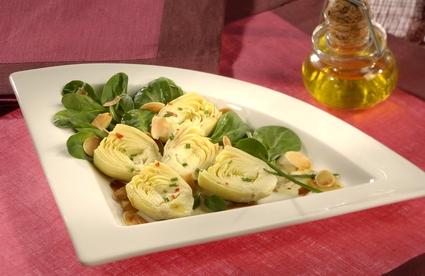 Recette de salade cœurs d'artichauts et amandes grillées