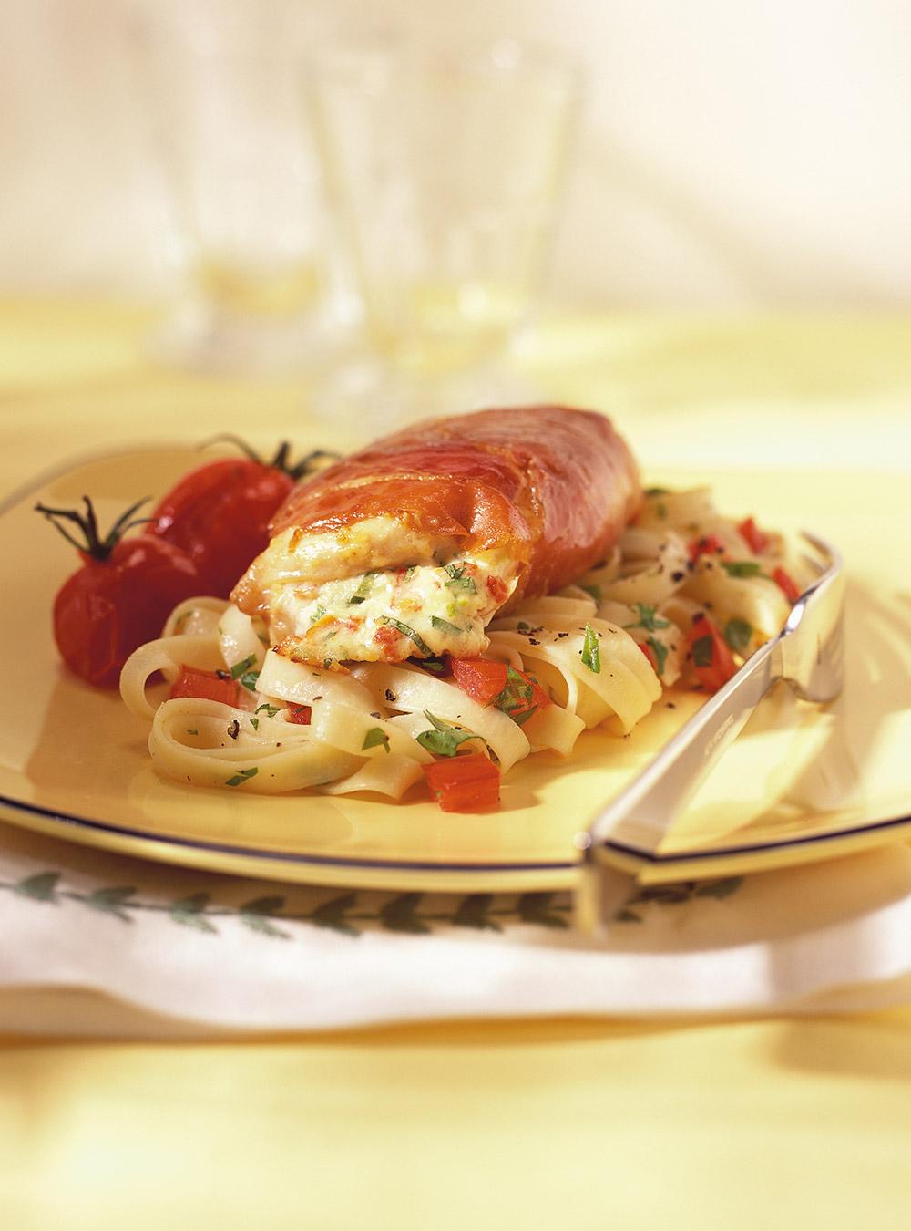 Suprêmes de poulet farcis à la ricotta et aux tomates séchées ...