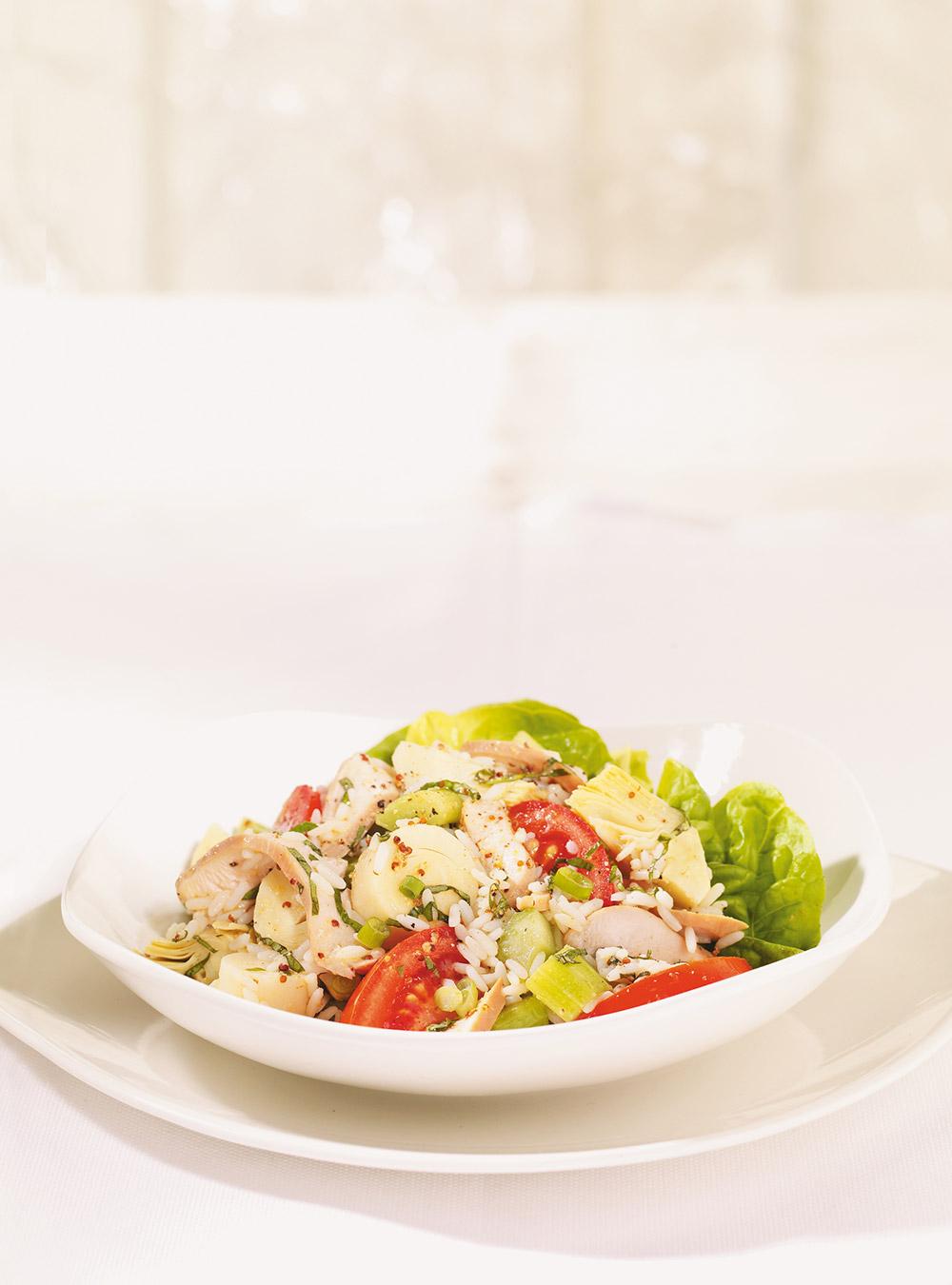 Salade de riz aux artichauts, aux coeurs de palmier et au poulet ...