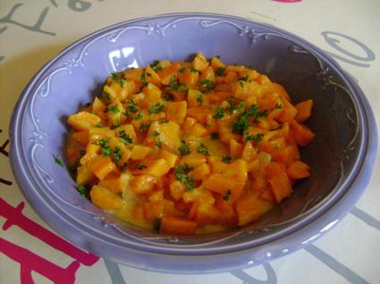 Recette de carottes à la crème, ail et oignon