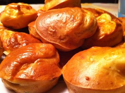 Recette de muffins saumon fumé, chèvre et ciboulette