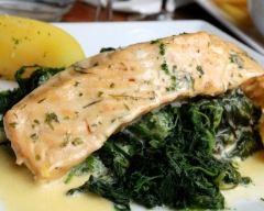 Recette saumon aux épinards sauce beurre blanc