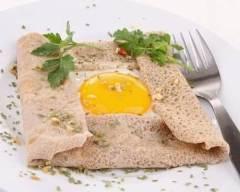 Recette crêpe complète aux échalotes caramélisées, oeufs et jambon
