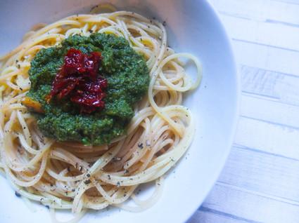 Recette de spaghetti pesto coriandre tomates séchées