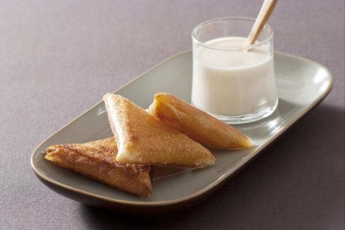 Recette de grande briouate d'amande, yaourt de chèvre au miel ...