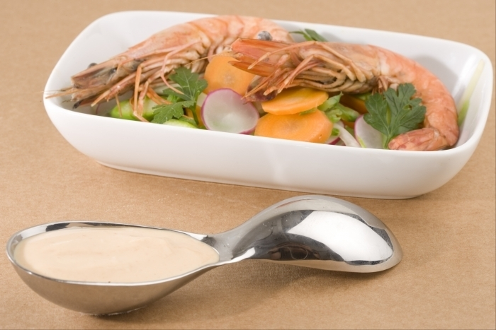 Recette de gambas rôties entières, légumes croquants et sauce ...