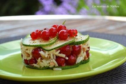 Recette de salade de riz au thon, courgette et groseilles rouges