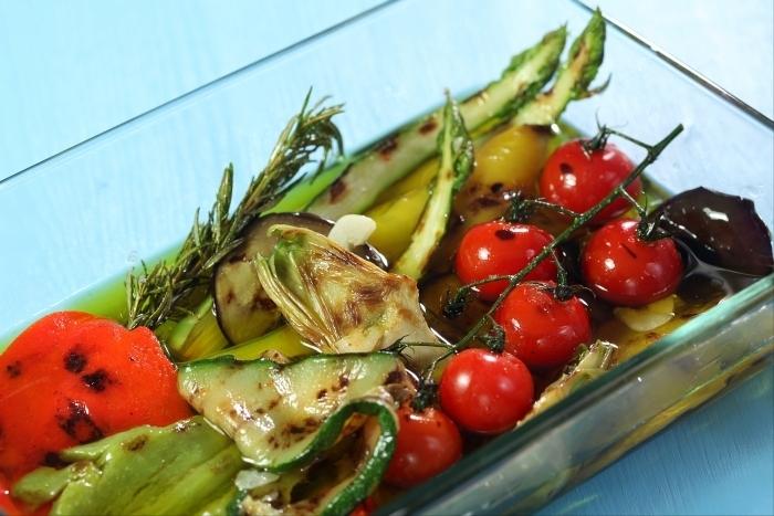 Recette de variation de légumes du soleil grillés et marinés facile