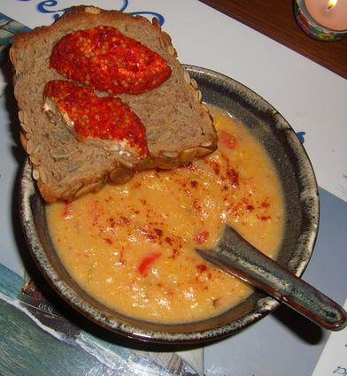 Recette de soupe de maïs, poivrons rouges et piment de cayenne ...