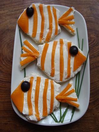 Recette de tartines de fromage frais et surimi, façon poisson clown ...