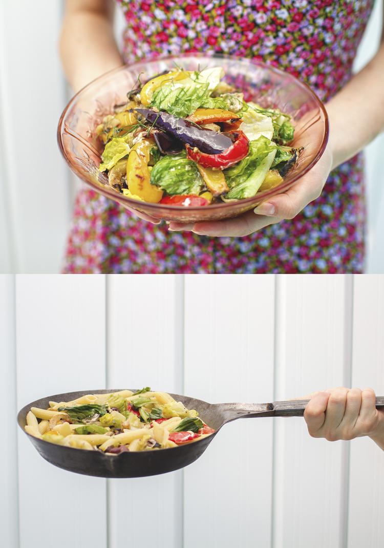 Salade de légumes grillés qui se transforme en plat de pâtes ...