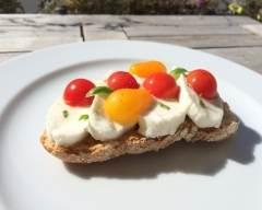 Recette tartine estivale tomates-mozza basilic
