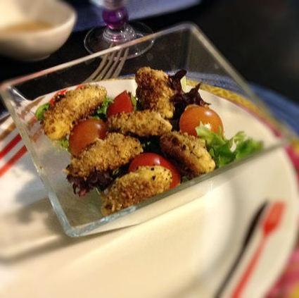 Recette de salade de quenelles panées aux noisettes