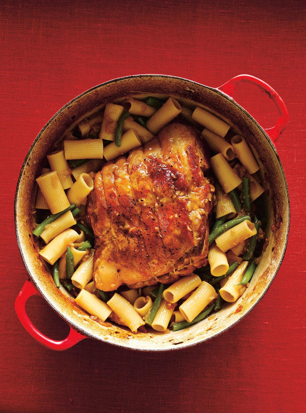 Porc braisé et rigatonis à l'oignon   ricardo