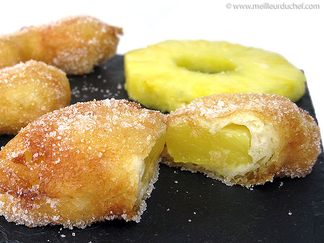 Beignet à l'ananas  notre recette illustrée  meilleurduchef.com