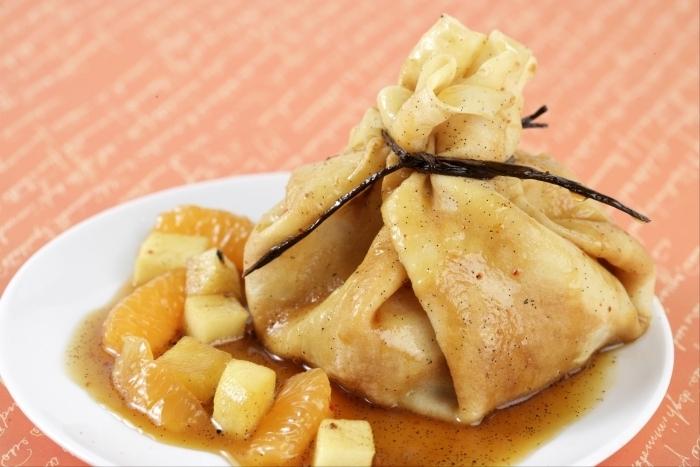 Recette de aumônière de crêpe aux fruits d'hiver facile et rapide