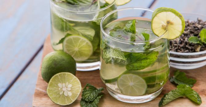 Recette de thé vert glacé à la menthe spécial combustion