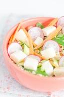 Recette de salade printanière au reblochon de savoie, quinoa ...