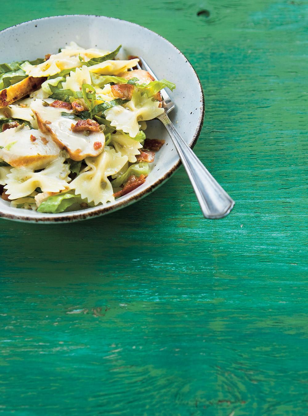 Salade de pâtes au poulet à la césar | ricardo