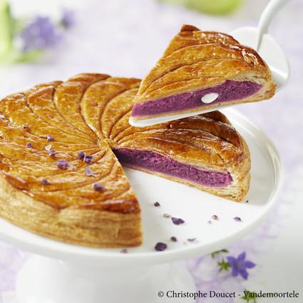 Recette de galette des rois crème violette-amande