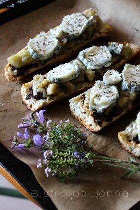 Tartines gratinées à la provençale, thym, aubergines et tapenade ...