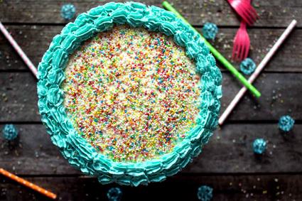Recette de rainbow cake d'anniversaire