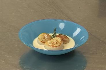 Recette de saint-jacques rôties, jus de poulette émulsionné facile et ...