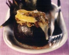 Recette aubergines farcies à l'oignon, gratinées au reblochon de ...