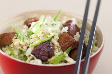 Recette de sauté de porc au miel et soja, chou chinois et pois ...