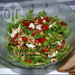 Recette salade de roquette au bleu et aux noix – toutes les recettes ...