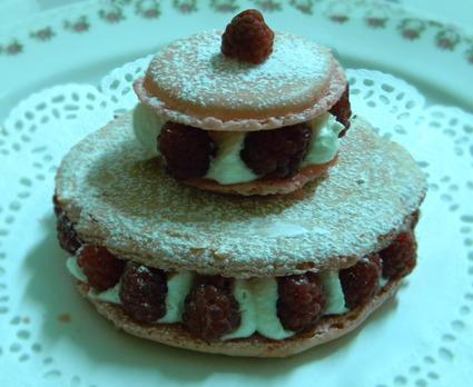Recette de tarte macaron framboises/chantilly