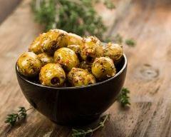 Recette olives marinées aux herbes