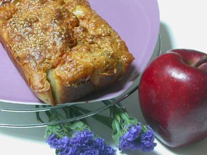Recette de cake au saumon, chèvre et pomme
