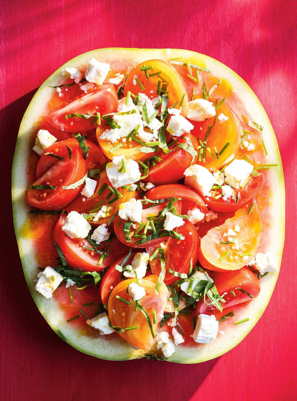 Tranche de melon d'eau, tomates, basilic et feta | ricardo