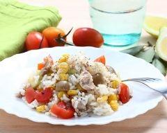 Recette salade de riz aux tomates, thon, maïs et olives