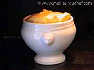 Soufflé de pommes de terre  la recette illustrée  meilleurduchef.com