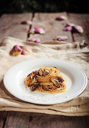 Recette de spaghetti à la poutargue et artichauts