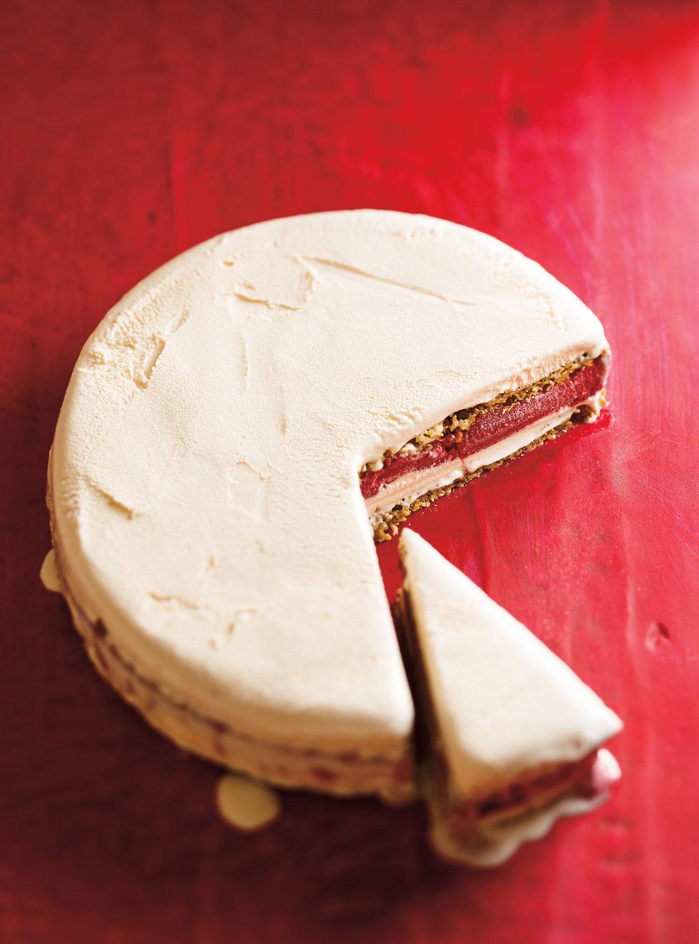 Gâteau glacé à la pistache et aux framboises | ricardo