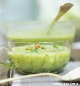 Soupe glacée de concombre aux pignons pour 8 personnes ...