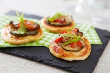 Recette de mini-pizzas aux légumes confits facile et rapide
