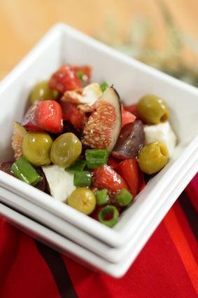 Recette de salade de tomate, olives vertes et vinaigrette à la figue ...