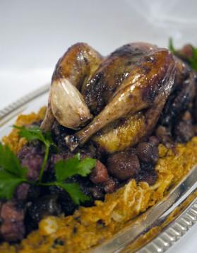 Poule faisane au chou et aux marrons en plat de fête de la chef ...