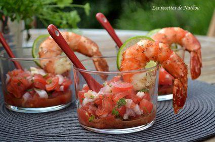 Verrines de salsa de tomates et échalotes, gambas marinées aux ...