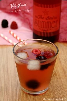Recette de thé glacé aux framboises et aux mûres