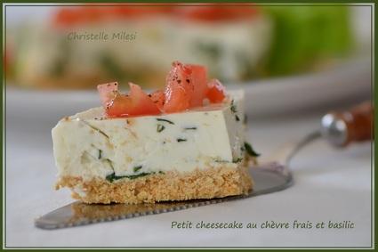 Recette de petit cheesecake au chèvre frais et basilic