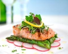 Recette pavé de saumon grillé et ses légumes frais